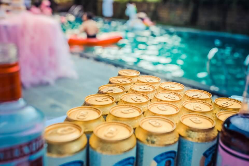 Pool party drinks