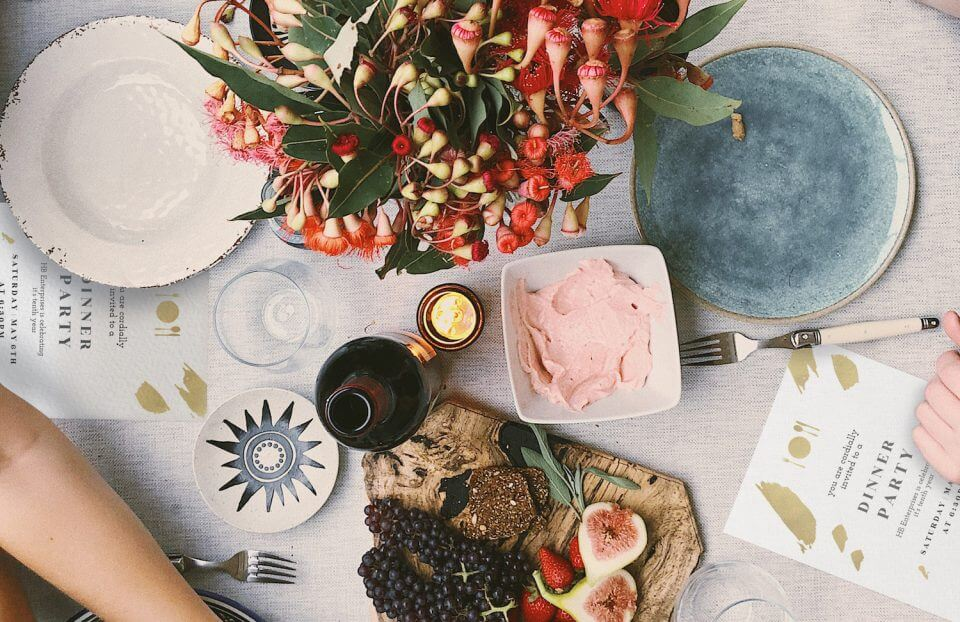 12 Tips that Make Hosting a Dinner Party Easy