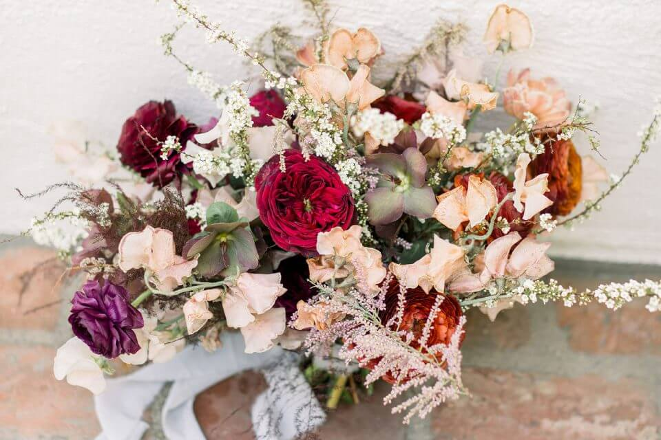 florals A Cozy and Picturesque House Elopementin Sunny California