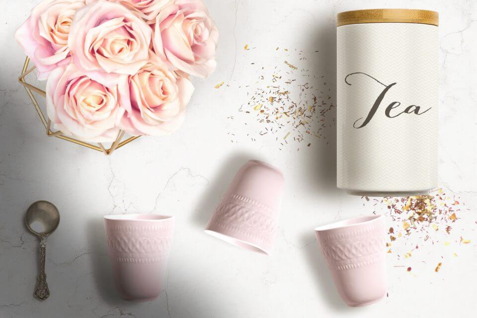 20 Unforgettable Summer Party Themes tea party brunch girly loose tea roses elegant